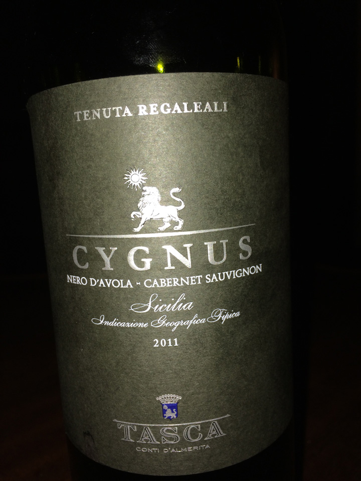 cygnus red blend of Nero d'Avola and Cabernet
