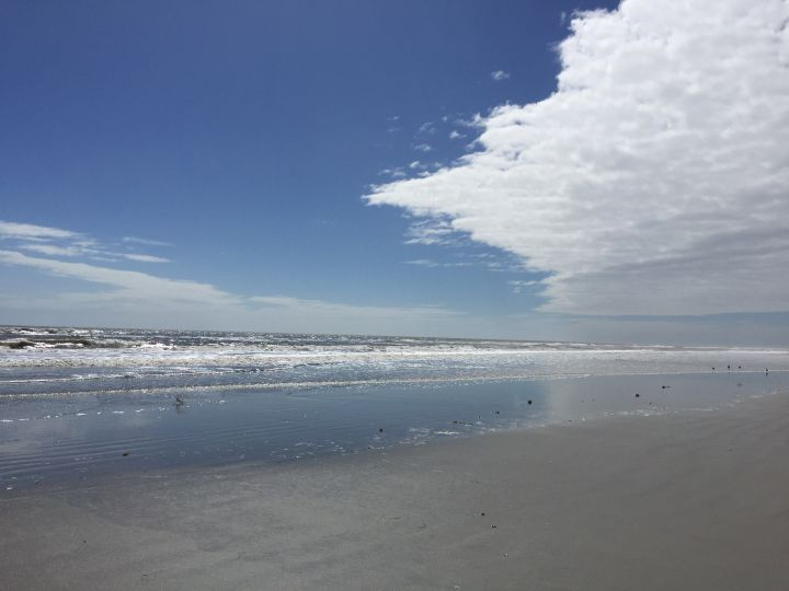 cloud-beach-scene