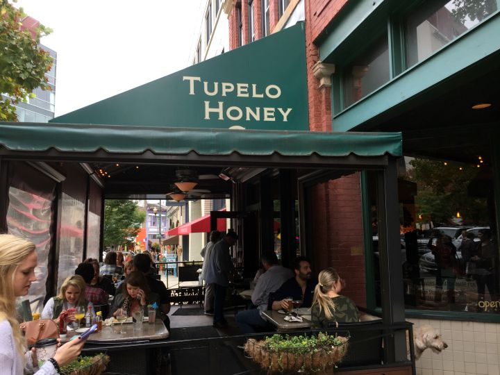 Tupelo Honey Cafe exterior