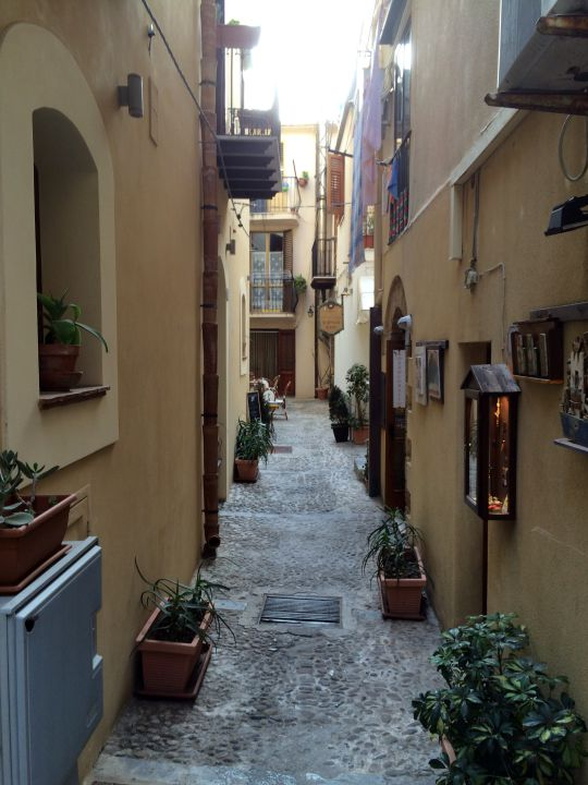 alley-in-sicily