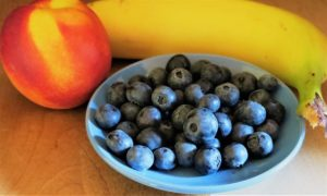 blueberries with apple and banana
